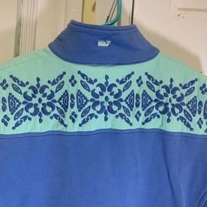 Medallion embroidered Shep Shirt size small